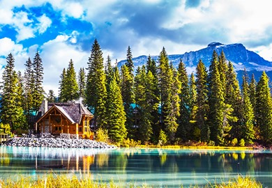 Cabin Emerald in Lake Yoho National Park